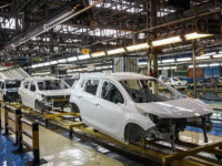 افزایش تولید خودروسازان نسبت به فروش خودرو