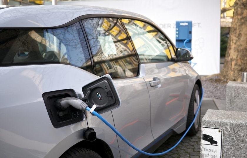 تمایل آمریکاییها به خرید خودرو برقی