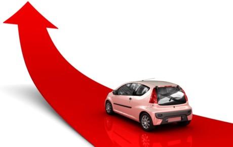 بازار بدون مشتری خودرو در انتظار قیمت آینده ارز