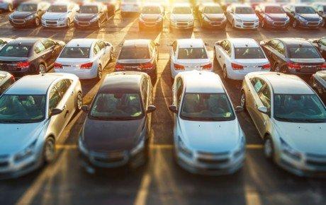 نرخ دلار باعث افزایش قیمت خودروهای وارداتی شد