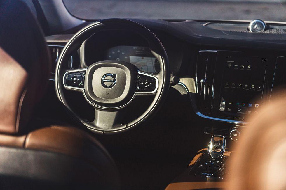 معرفی خودرو ولوو S60 سدان با ویژگی های خاص