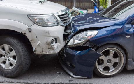 کنار نکشیدن خودرو در تصادفات و خرابی ها ، تخلف است